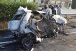 Schianto e auto a fuoco: ci sono due vittime