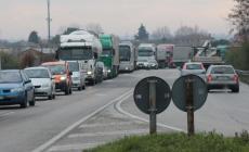 Incidente sulla Regionale, traffico paralizzato in entrambe le direzioni