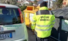 Contro i vandali dei rifiuti vigilantes, telecamere e fototrappole