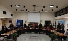 Primo consiglio comunale dei ragazzi in presenza nella sala del municipio
