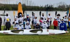 Gruppo canoe Polesine pulisce il Canalbianco