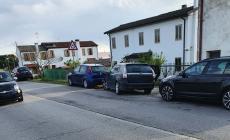 Incidente coinvolge quattro vetture e un furgone in via Chieppara