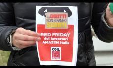 """""""Sui diritti dei lavoratori non si fanno sconti"""". La protesta del Red Friday"""