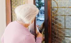 Sciacalli a caccia di anziani: non aprite la porta!