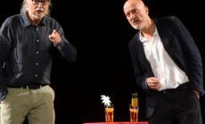 Tutto esaurito all'arena spettacoli del Censer per lo spettacolo di Claudio Bisio e Gigio Alberti
