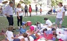 Yoga per sindaco e ragazzi <br/> ai giardini delle due Torri