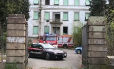 Incendio all'ex ospedale Maddalena <br/> i soliti balordi scatenano le fiamme
