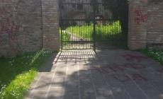 Badia Polesine vandalizzata <br/> da graffiti e murales