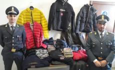 Marchi contraffatti: capi d'abbigliamento sequestrati dalle Fiamme gialle
