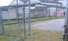 Campo da calcio nel mirino dei vandali