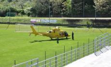 Scontro in campo, trauma cranico per un calciatore soccorso in elicottero