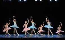 La bellezza sul palco del Serafin per celebrare tutte le donne