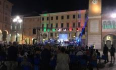 """Il sound dei """"Viva Santana"""", solidarietà in piazza Vittorio"""