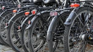 Il ciclista investe il pedona, chi paga?