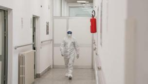 """Veneto a rischio """"rosso scuro"""" con obbligo di test e quarantena per viaggiare in Ue"""