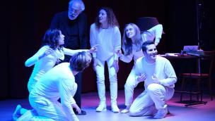 A teatro con Pirandello e Rodari... direttamente a casa vostra