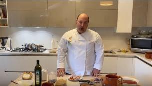Come preparare grano grattugiato con sugo di suino Nero di Calabria