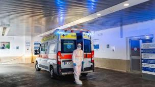 Altri 20 morti in una notte, e 280 nuovi casi