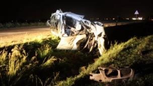 L'auto prende il volo e atterra 200 metri più avanti: due feriti