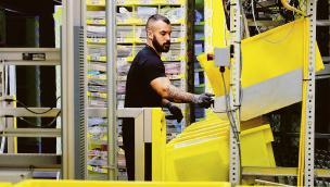 Amazon, al via le candidature da oggi. Offre 900 posti di lavoro a tempo indeterminato