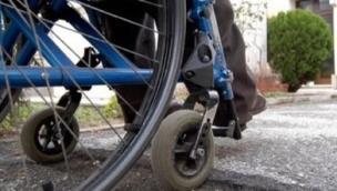 Abusi sui disabili nel centro, nei guai un'educatrice