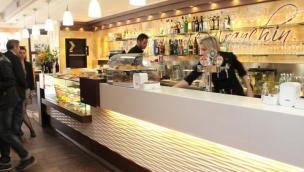 Sfratto ai gestori del Caffè Franchin <br/> il futuro del bar è ancora da scrivere