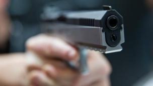 Rapina con pistola e mascherine alla tabaccheria: rubato incasso e sigarette