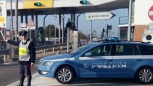 Punta verso Rovigo in autostrada, ma è contromano
