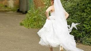 La sposa scappa dal Comune pochi muniti prima delle nozze