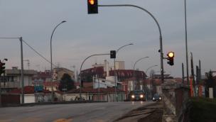 Multa al semaforo rosso con telecamera T-Red: quando impugnarla
