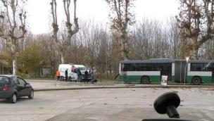 Autobus contro furgone, non ci sono feriti gravi