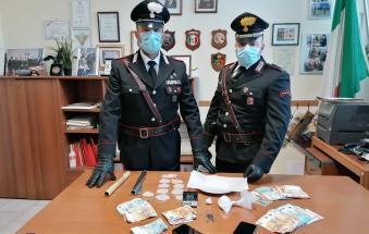 Presi con un etto di cocaina e 3mila euro