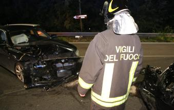 Terrore in Statale 16, due auto distrutte
