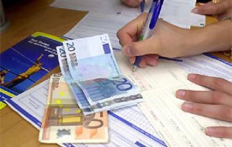 """Caro energia, rischio spesa +1.300 euro a famiglia"""