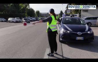 Incidente in viale delle Industrie: cinque le auto coinvolte