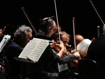 Le stelle hanno brillato con il concerto lirico sinfonico