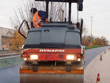 Strade a marciapiedi: continuano i lavori di asfaltatura nel capoluogo