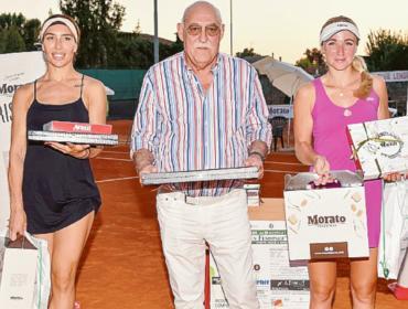 Diana alza il trofeo Morato