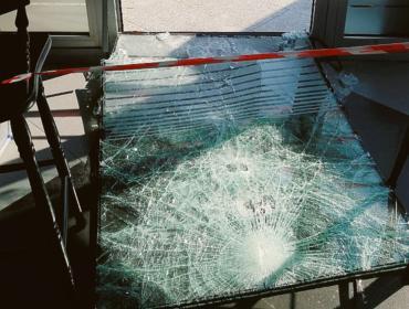 La notte delle spaccate colpiti vari negozi