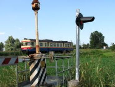 Via Vittorio Veneto, cambio viabilità al passaggio a livello