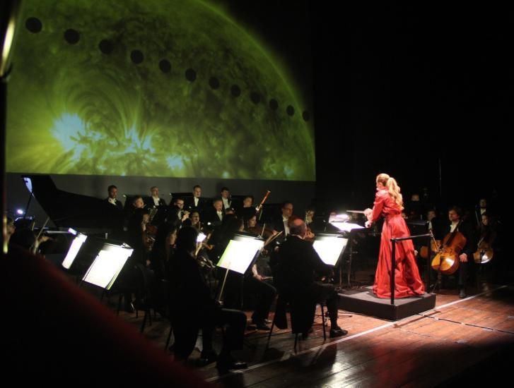 La magia dei pianeti in musica al Sociale