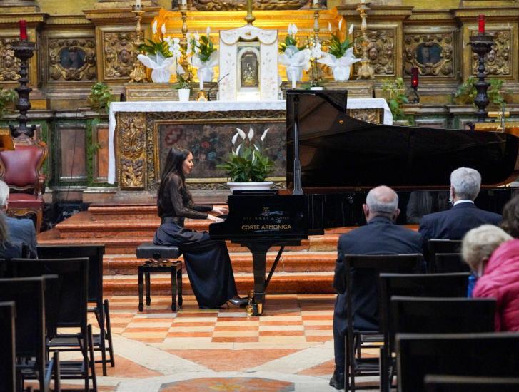 Il pianoforte di Gloria Campaner incanta alla Rotonda