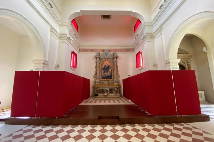 Ex chiesa parrocchiale, terminato il restauro degli altari