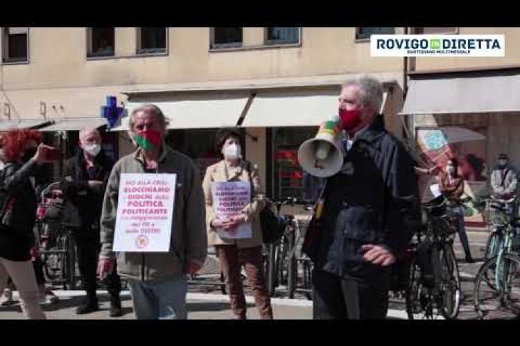 Flash mob per Gaffeo, pochi cittadini in piazza